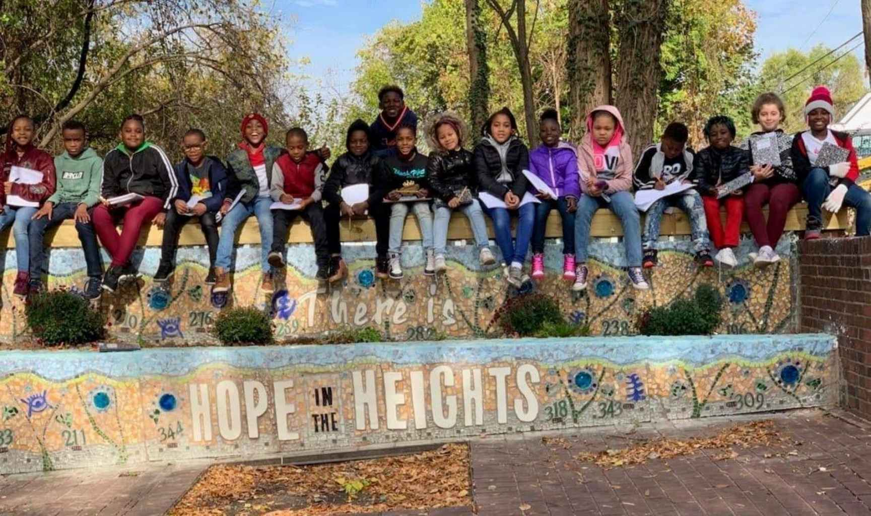 17 child participants in Hope in the Heights pogram witCreatve City